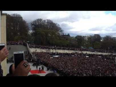 20 000 personnes en délire pour voir Psy au Trocadéro | Trollface , meme et humour 2.0 | Scoop.it