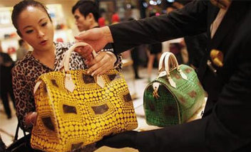 Fake luxury products market in India to double by 2015: Study | Anti-counterfeiting | Scoop.it
