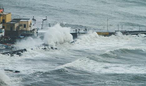 Video una forte mareggiata di scirocco - Ristorante Alberto | La nostra Ischia | Scoop.it