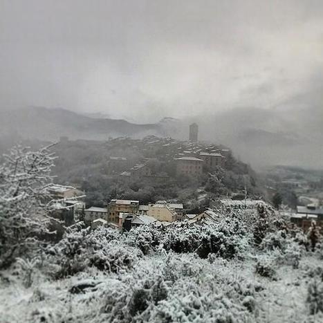 Ainsa sous la neige ce matin - Miguel Micolau via Torre de Mediano | Vallée d'Aure - Pyrénées | Scoop.it