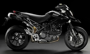 Ducati Hypermotard 1100 EVO, Review, Price, Ducati Bikes India, Comparison, Images, Variants | Motorcycling | Scoop.it