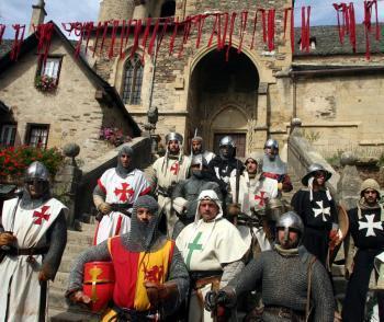 Tous en costumes à Estaing! - La Dépêche   Festivals Celtiques et fêtes médiévales   Scoop.it