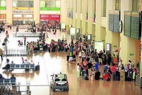 Un estudio revela que el 93% de los españoles compran su billete...   El último estudio de Travelgenio revela que el 93%   Scoop.it