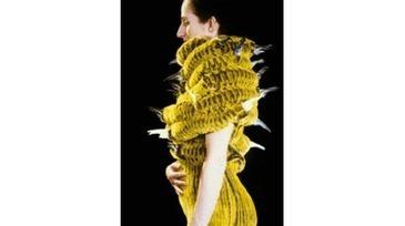 Body Jewels – Textiler Schmuck aus den Niederlanden und der Schweiz   TextielMuseum   Scoop.it