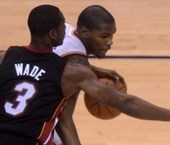 """Kevin Durant trash talks Dwyane Wade during Game 3: """"You're too small"""" 