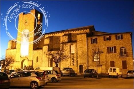 Promenade nocturne dans le village de Pernes-les-Fontaines   Talons hauts & sac à dos   Scoop.it