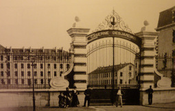 Le portail de la caserne... | Nos Racines | Scoop.it
