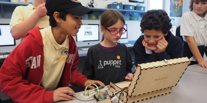 Kids Who Love Minecraft Can Learn Real-World Engineering With This Toolbox