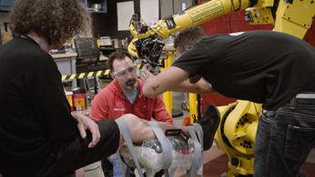 Avec Autodesk, deux designers français inventent le premier robot tatoueur | Dans l'actu | Doc' ESTP | Scoop.it