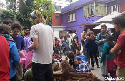 Chabad Center in Nepal a Crisis Hub After Massive Earthquake | Jewish Education Around the World | Scoop.it