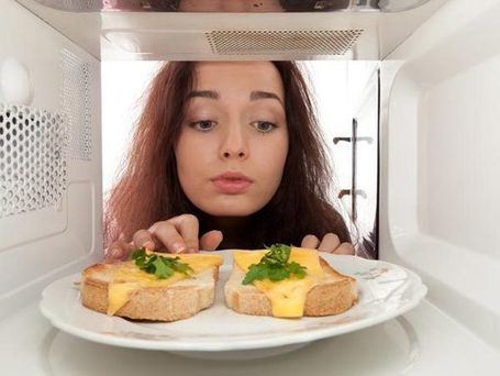 8 Effects Of Microwave On Food - BoldSky | Your Food Your Health | Scoop.it