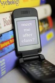 Texting and social media may require new school policies | Kids-friendly technologies | Scoop.it