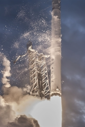 SpaceX Launches 3D Printed Parts to Space | Engineering That Surrounds Us | Scoop.it