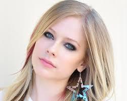 Avril Lavigne : Ecouter et télécharger la musique arabe en mp3   Musique en mp3   Scoop.it