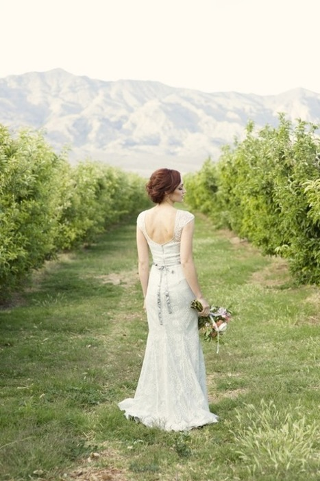 Little Vegas Wedding >> Peach + Lace Vintage Wedding Inspiration at Gilcrease Orchard | Wedding planner | Scoop.it