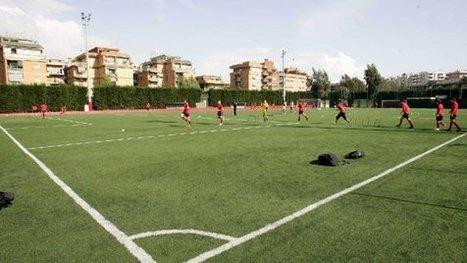 """Razzismo, stadio chiuso a Mola dopo gli insulti a un calciatore di colore: """"Sei un mangiabanane""""   MigrArti   Scoop.it"""
