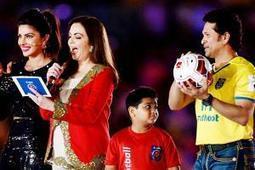 Sachin Tendulkar steals the show at ISL opening ceremony - Times of India | Sachin Ramesh Tendulkar | Scoop.it