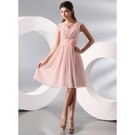 [€ 89.84] A-Line/Principessa Scollatura a V Al ginocchio Chiffona Abito Festivi con Increspature (020014095)   fantastic dresses   Scoop.it