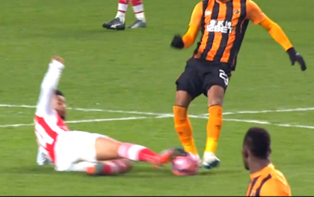 Arsenal's New Midfield Enforcer? Francis Coquelin's Impressive Defensive Display Against Hull City | The Football Vault | Scoop.it