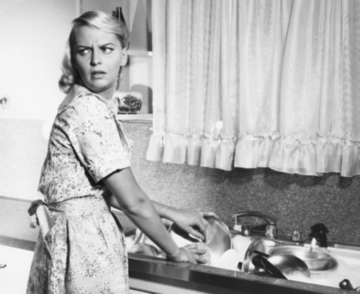 Husbands Create 7 Hours Of Extra Housework For Their Wives | Dare To Be A Feminist | Scoop.it
