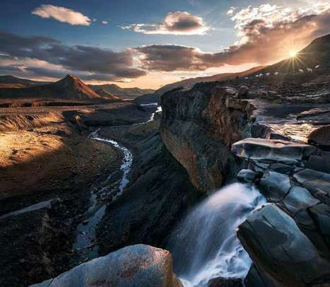 Photos of the Day: Sunrise and Sunset over Iceland | Web & Graphic Design - Inspirational resources and tips!!! | Scoop.it
