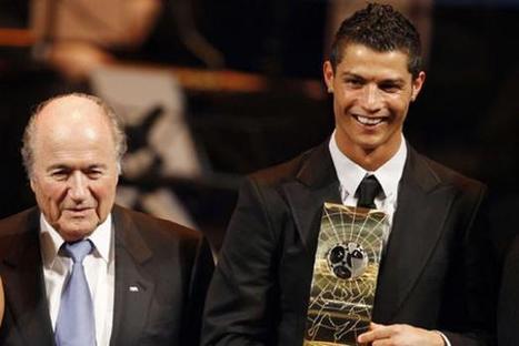 Pour Cristiano Ronaldo, «beaucoup de choses s'expliquent désormais» après les propos de Blatter   Cristiano Ronaldo Ballon d'Or   Scoop.it