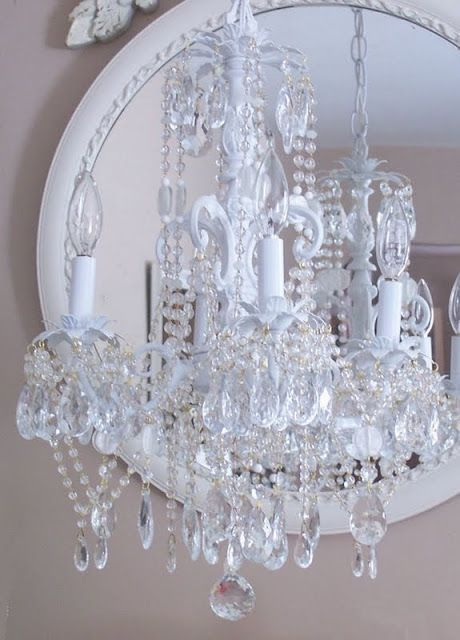 A crystal chandelier for your mid size living | Erika Johnson | Scoop.it