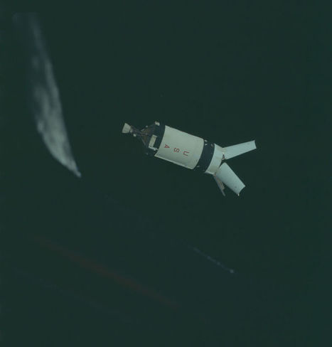 NASA Just Released 8,400+ Incredible High-Res Images From The Apollo Program | iPads for Education | Scoop.it