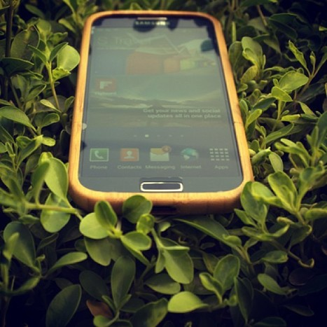"E- selling handmade wooden cases for exclusive phones only on ""www.legnocases.co... 