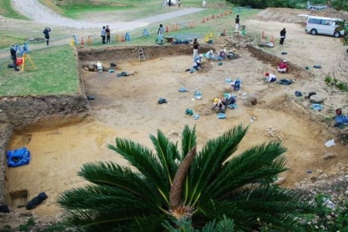 Ancient Roman coins unearthed from Japanese castle baffle archaeologists | ABC | Kiosque du monde : Asie | Scoop.it