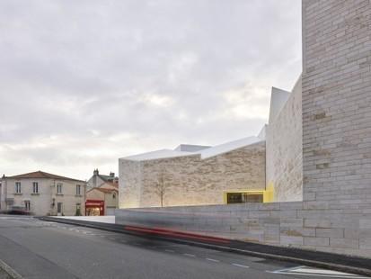Equerre d'argent 2015 : « Cour et jardin » à Vertou et la passerelle du Mt St Michel parmi les lauréats   Architectures moderne et contemporaine parcoursdarchitecture.over-blog.com   Scoop.it
