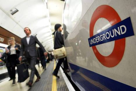 Woman 'dragged along Tube platform' after scarf gets caught in Piccadilly line ... - Evening Standard | Lachtopus' Scoop — OHS Quest | Scoop.it