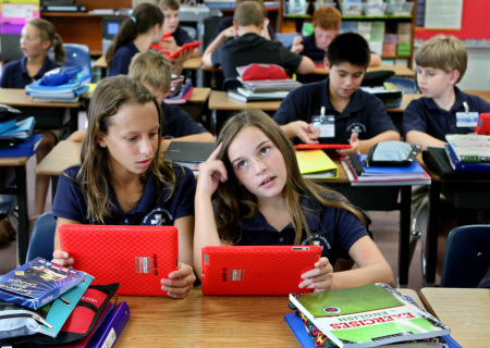 Dunedin middle schoolers will learn with iPads | The iPad Classroom | Scoop.it
