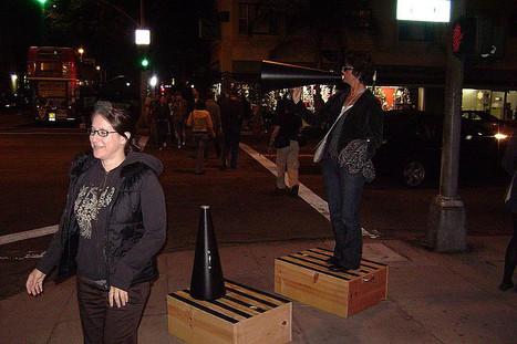 Soundwalk 2008, East Village Arts District in Downtown Long Beach.   DESARTSONNANTS - CRÉATION SONORE ET ENVIRONNEMENT - ENVIRONMENTAL SOUND ART - PAYSAGES ET ECOLOGIE SONORE   Scoop.it