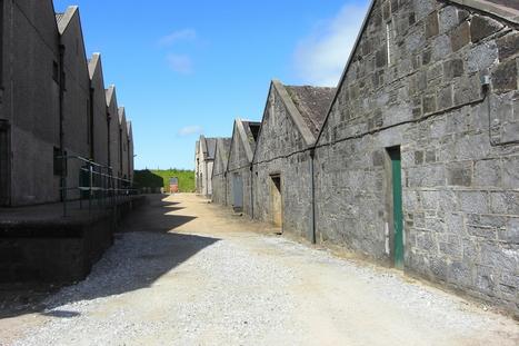 Whisky im Bild: Alte Lagerhäuser von Glenglassaugh | WhiskyExperts | Whiskybox | Scoop.it
