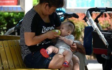 En dépit des scandales, les Chinoises privilégient le lait en poudre pour leur bébé | Recherche d'actu Chine | Scoop.it