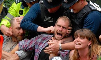 Anti-fracking activists arrested at West Sussex drilling site | Environment | Scoop.it