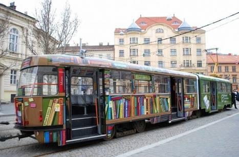 Bibliothèque et marketing : un tramway sillonne la ville pour apporter des livres et des ebooks gratuits aux habitants | Archimag | Insolite bibliothèque | Scoop.it