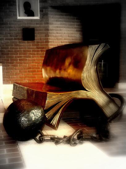 Un objet qui ne respecte pas les droits du lecteur mérite-t-il de s'appeler livre ? | Libertés Numériques | Scoop.it