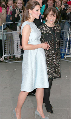 Kate Middleton: Resplendent and Glowy in Ice <i>Baby</i> Blue | moda | Scoop.it