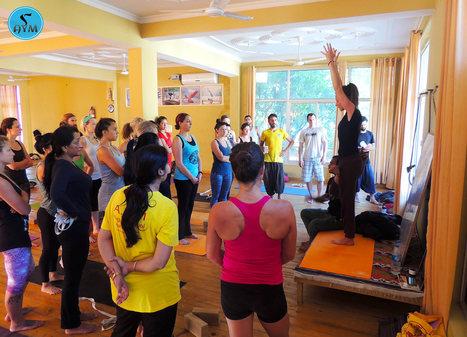 Self practice to improve posture | Yoga School Rishikesh India | Scoop.it