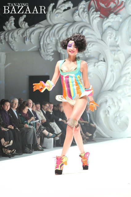 Julien Fournie rocked out @FIDEpresents French Couture Week in #Singapore - check out the collection:  | Frrole | Julien Fournié | Scoop.it