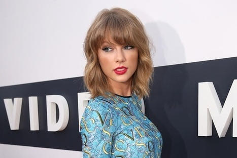 Taylor Swift on Privacy: 'I Don't Walk Around Naked With My Windows Open' | Country Music Today | Scoop.it
