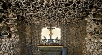 This Creepily Beautiful Chapel in Czermna, Poland, Is Constructed Out of Thousands of Human Bones | Edu's stuff | Scoop.it