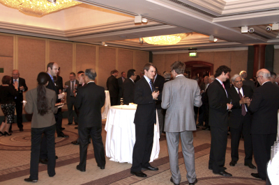 How to break into a conversation at a network meeting | Business Tips | Scoop.it