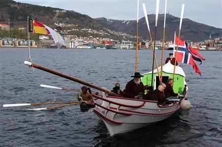 Tonnerres de Brest : un canot symbole de la Constitution de Norvège - Brest - Marine - ouest-france.fr | Arctique et Antarctique | Scoop.it