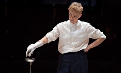 Hamlet review – Maxine Peake is a delicately ferocious Prince of Denmark | RCHK Hamlet - William Shakespeare | Scoop.it