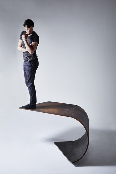 Poised Table by Paul Cocksedge | Things to know | Scoop.it