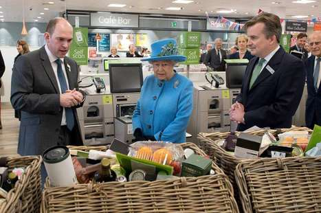Queen Elizabeth II Went Inside a Grocery Store and Her Reaction Is Priceless | MOVIES VIDEOS & PICS | Scoop.it