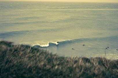 Etretat en hiver attire les surfeurs - SapinRisien.fr | Epson RD1 en balade | Scoop.it